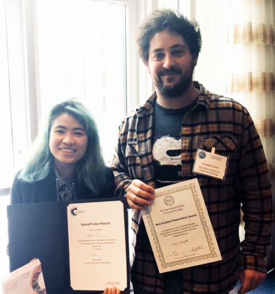Linh Nguyen and Benedikt Geier with their awards